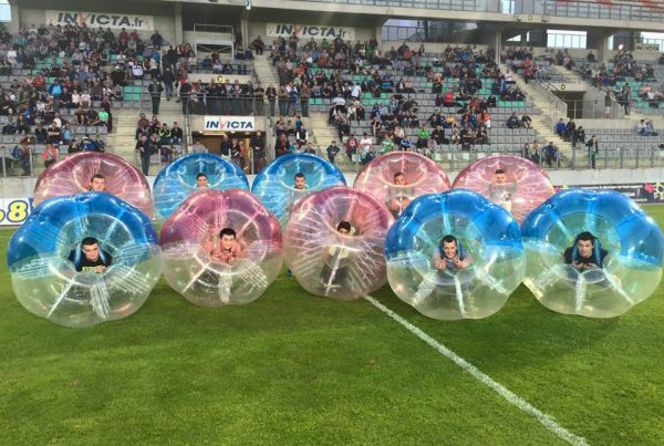 Bubble Foot sur la pelouse de sedan